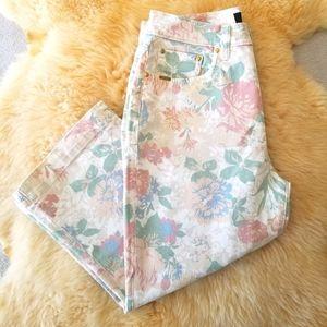 🦄HOST PICK🦄 Vintage Floral Cropped Denim Pants